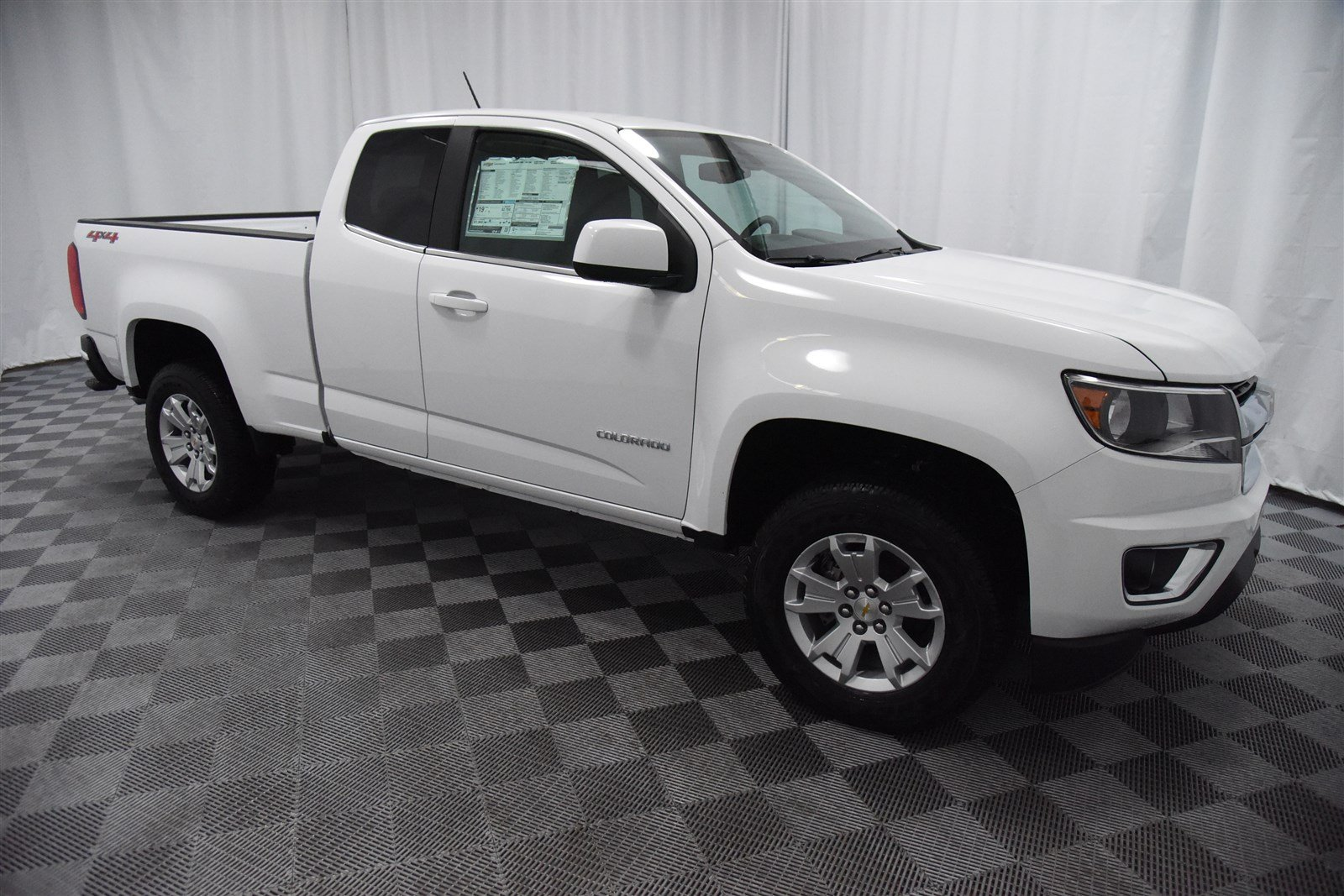 New 2018 Chevrolet Colorado Extended Cab LT 4x4 Truck In